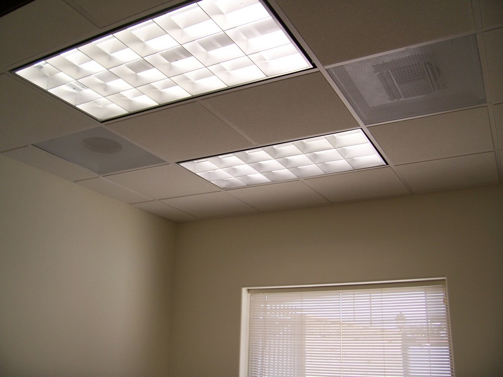 Fluorescent Light Fixtures 1024 x 768