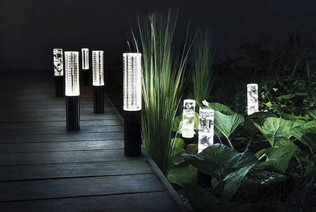 Led garden lights on deluxe interior Fixture exterieur led