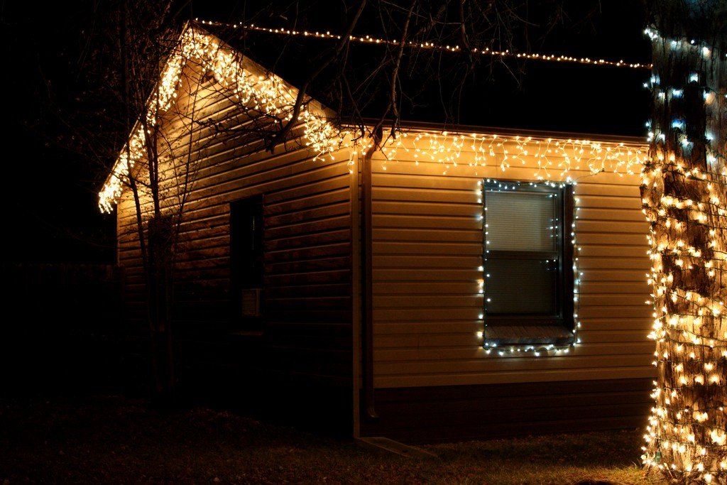 Ge Blue Icicle Lights On Winlights Com Deluxe Interior