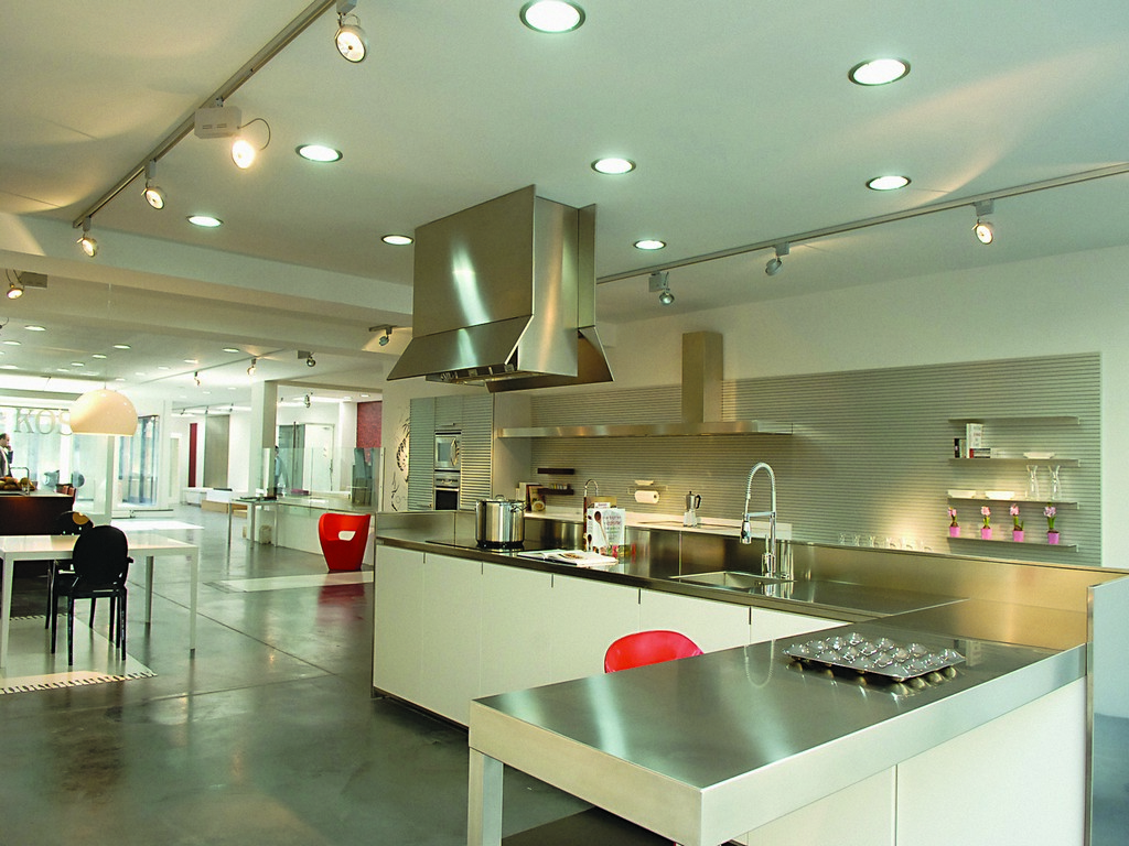 Led kitchen lighting on deluxe interior for Kitchen led lighting