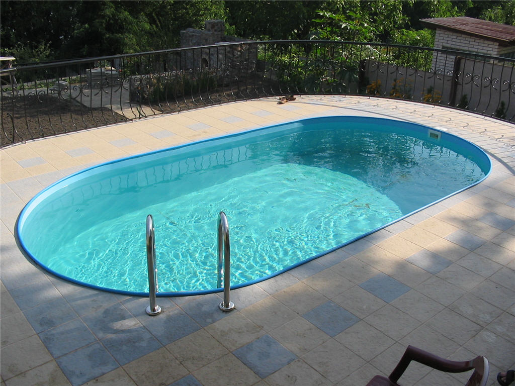 above ground swimming pool lighting on