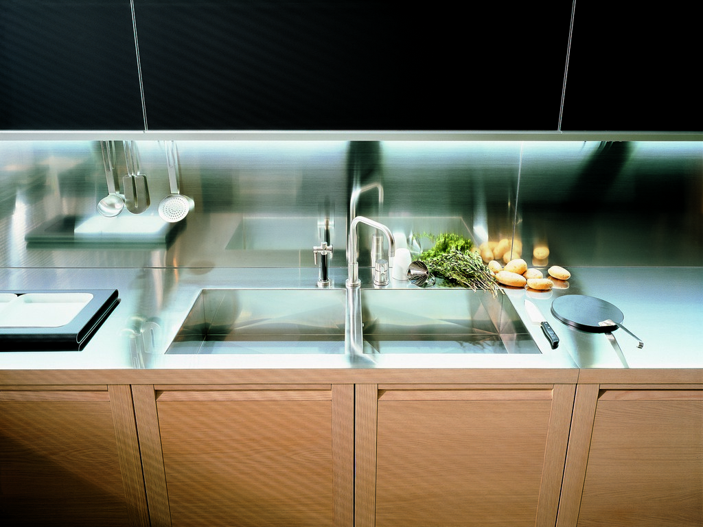 Wireless under cabinet lighting On WinLights.com | Deluxe ...